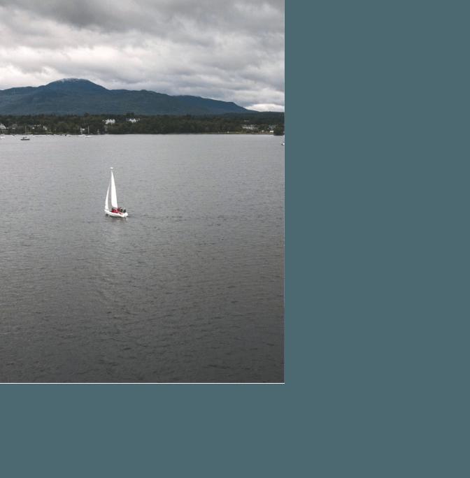 Voilier sur le lac Memphrémagog